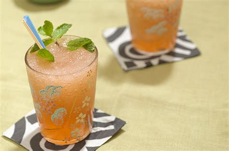 Jamaican Planters Punch by The Jamaican Planter S Punch Wine Enthusiast Magazine