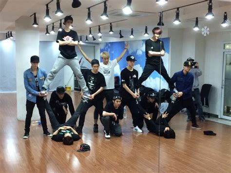 exo dance exo s suho reveals the choreography for quot overdose quot has 8