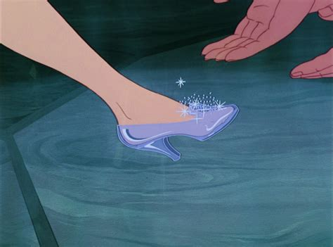 disney glass slippers facts 10 things you gotta about disney s
