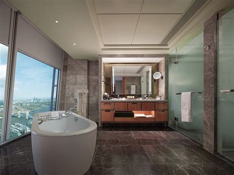hotels with big bathtubs uk the world s most amazing skylines from hotel bath tubs