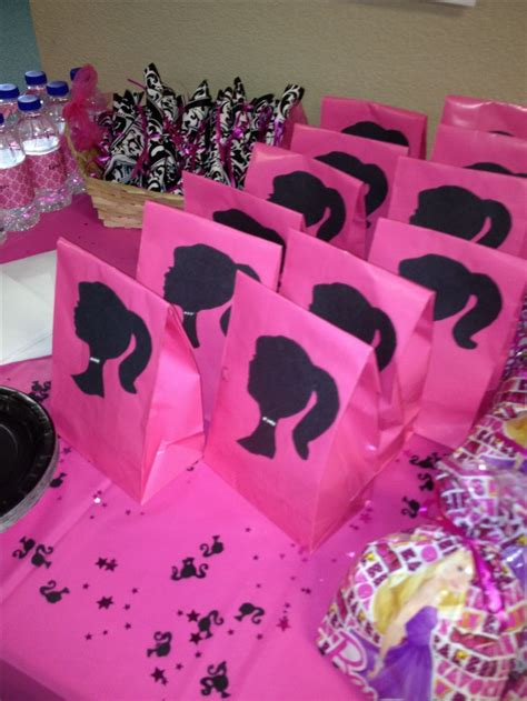 Barbie Giveaways For Birthday - 25 best ideas about barbie birthday party on pinterest barbie theme party barbie