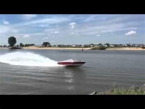 v8 speedboot maxum 5 0 v8 speedboot op de lek youtube