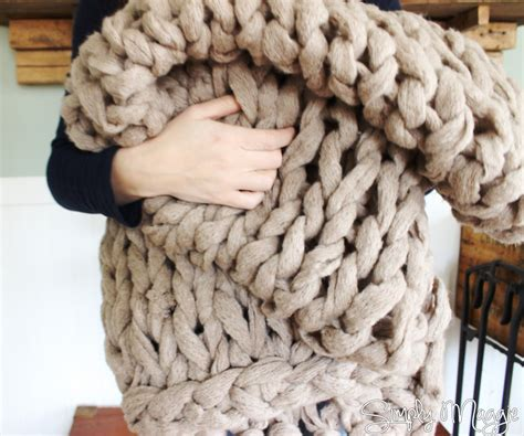 arm knit blanket arm knit a blanket in 45 minutes by simply maggie