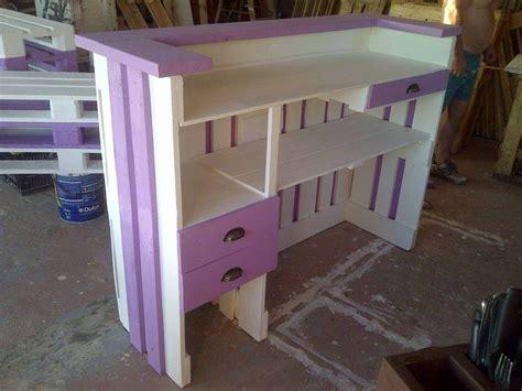 Diy Reception Desk Pallets Wood Reception Desk 101 Pallet Ideas