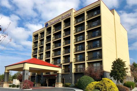 comfort inn teaster lane pigeon forge comfort suites 18 photos hotels 2423 teaster lane