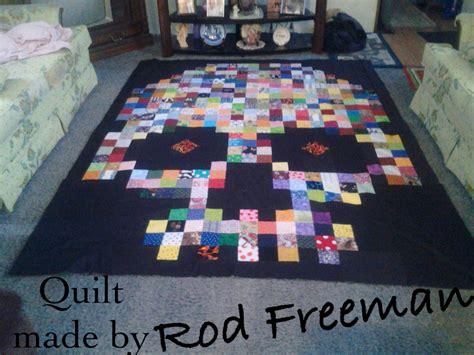 Skull Quilt Pattern beautiful scrappy skull quilt made by rod freeman