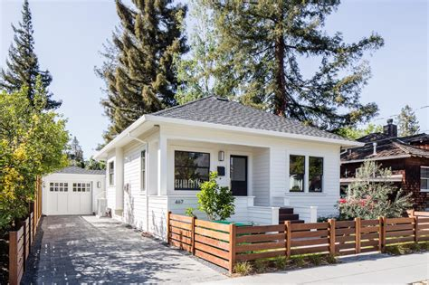 small homes that live large 13 small spaces that live large hgtv s decorating