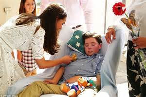 kate  william  moved  tears  royal couple visit