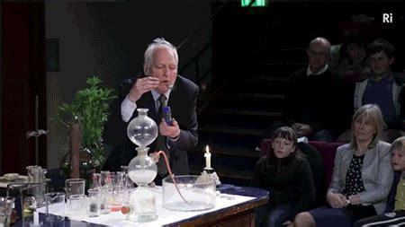 dudas existenciales comunes gifs que responder 225 n tus dudas existenciales ciencia y