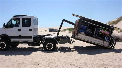 overland cer iveco daily 4x4 hooklift 1 cer unload