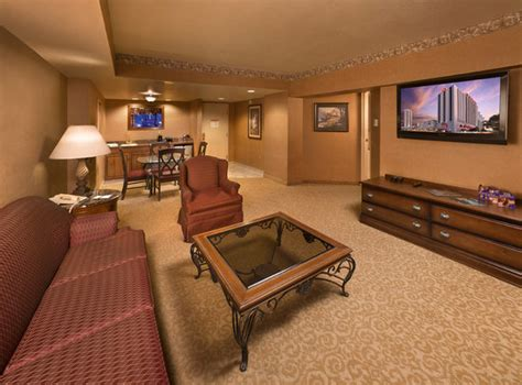 circus circus reno rooms the executive living room will continue that royal feeling picture of circus circus hotel and