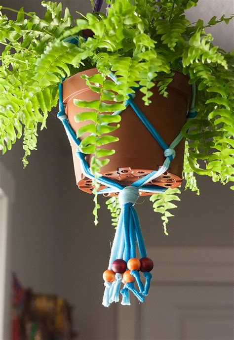 Macrame Craft Ideas - diy jersey macrame hanging planter crafts