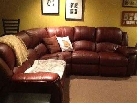 Wall Colors For A Burgundy Sofa Change Color Of Leather Sofa