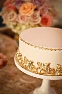 Send Flowers In Edmonton - unique single layer wedding cakes to spice up your dessert