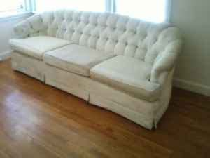 Chesterfield Sofa Craigslist Craigslist Deal Of The Day Free Chesterfield Sofa Designtology