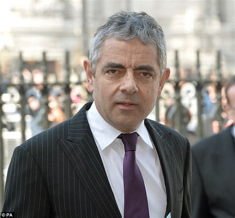 actor who looks like mr bean is rowan atkinson dead death hoax about mr bean actor