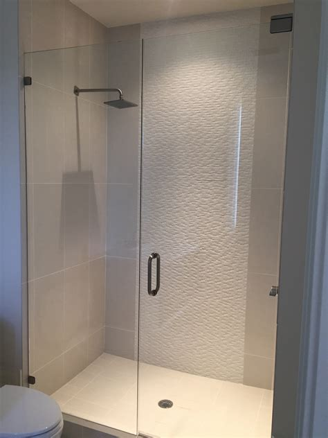 frameless bathroom doors comparing frameless shower door options the glass shoppe
