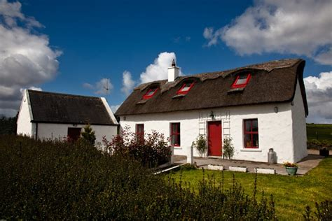 cottages in clare thatched cottage mountshannon county clare ireland