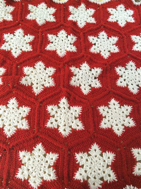 snowflake pattern crochet blanket crotchet snowflake blanket snowflake afghan christmas