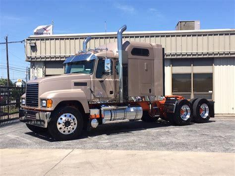 mack pinnacle chu conventional trucks  sale  trucks  buysellsearch