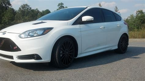 Ford Focus Rs Series Black And White Wheels ford racing focus rs wheels mounted page 5