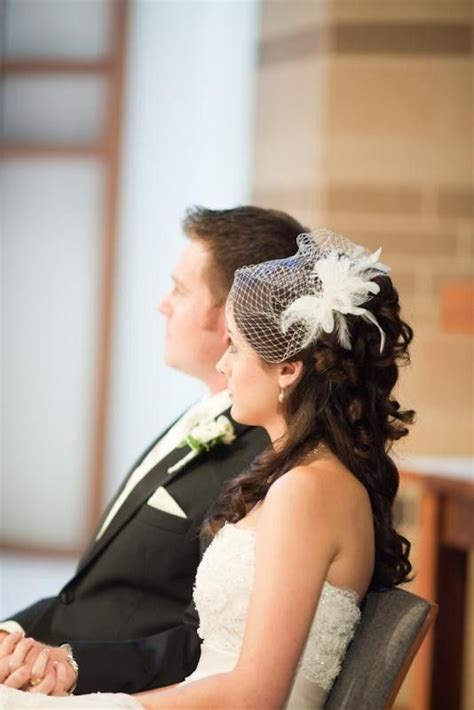 Half Up Wedding Hairstyles With Birdcage Veil by Best 25 Veil Hair Ideas On Bridal