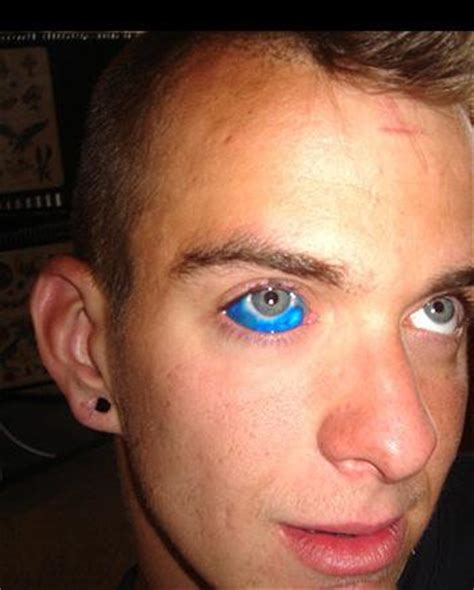 tattoo eye alkaline eye ball tattoo ou yeux de billes le tatouage des yeux