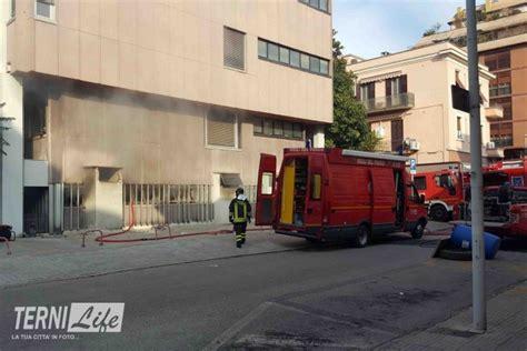 inps sede di terni documenti bruciati all inps continua il lavoro dei vigili