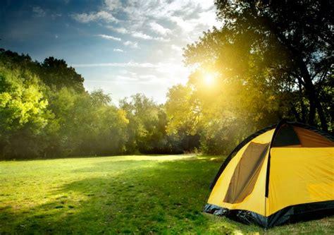 sta su tenda vacanze in ceggio unadonna
