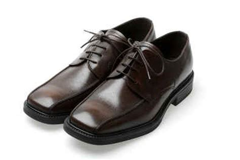 how to clean patent leather shoes