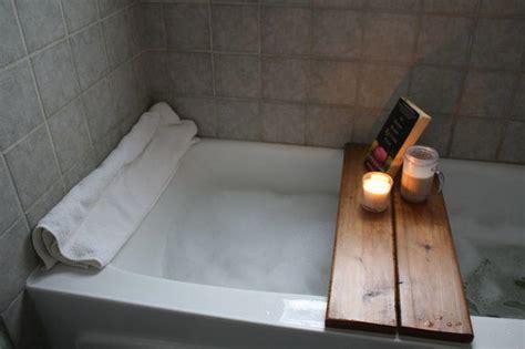 DIY Wood Bath Caddy   DIYIdeaCenter.com