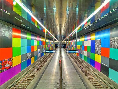les  impressionnantes stations de metro au monde