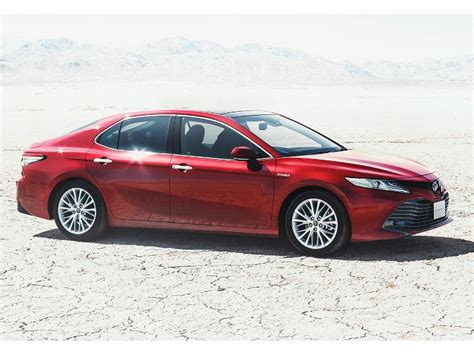 Toyota Camry Jdm India Bound 2018 Toyota Camry Hybrid Revealed In Japan