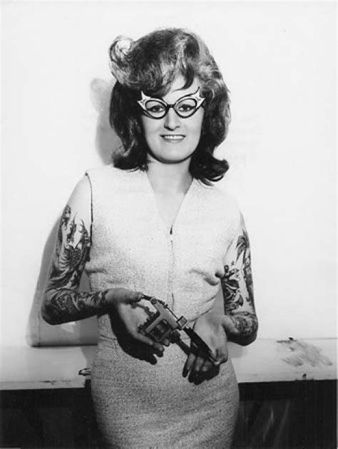 vintage photos of tattooed women give a historical look at