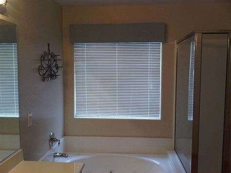 master bath window cornice 183 a curtainblinds 183 decorating