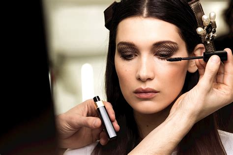 17 pretty makeup looks to try in 2016 allure chanel fall winter 2016 17 ready to wear show backstage