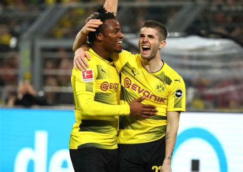 christian pulisic agent chelsea news christian pulisic welcomed by agent michy