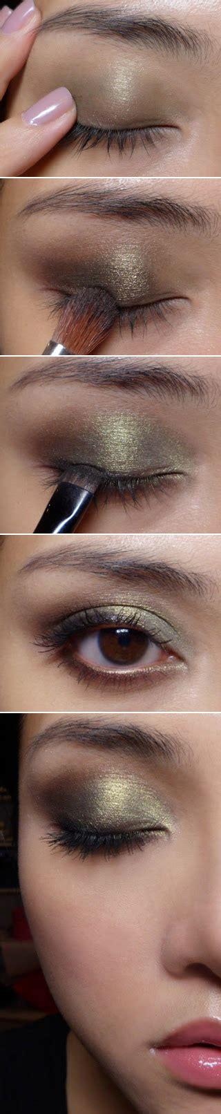 eyeliner tutorial buzzfeed 22 beauty tutorials for dramatic holiday looks