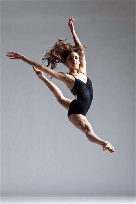 dance girl dance dance dancing dancer female dancer jump leap split leap