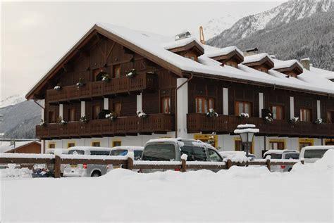 appartamenti serena bormio fersinaviaggi it appartamenti chalet stelle di neve