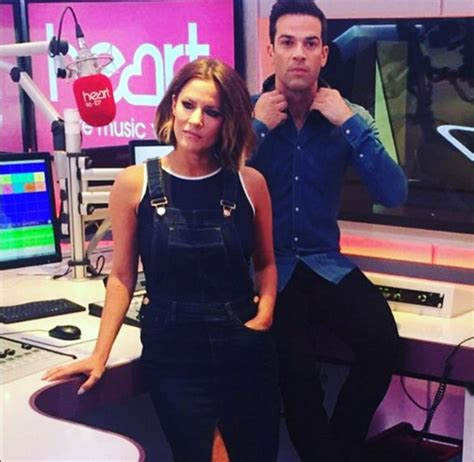 Caroline Flack Sugar Detox by Caroline Flack Shows Slim Figure In Khaki Mac And
