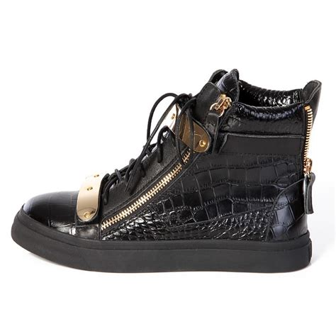 young thug expensive lyrics i ride in a gator my shoes are giuseppe ooh about the