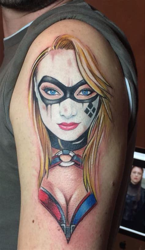 new school harley quinn tattoo red and black diamonds harley quinn tattoo on right sleeve