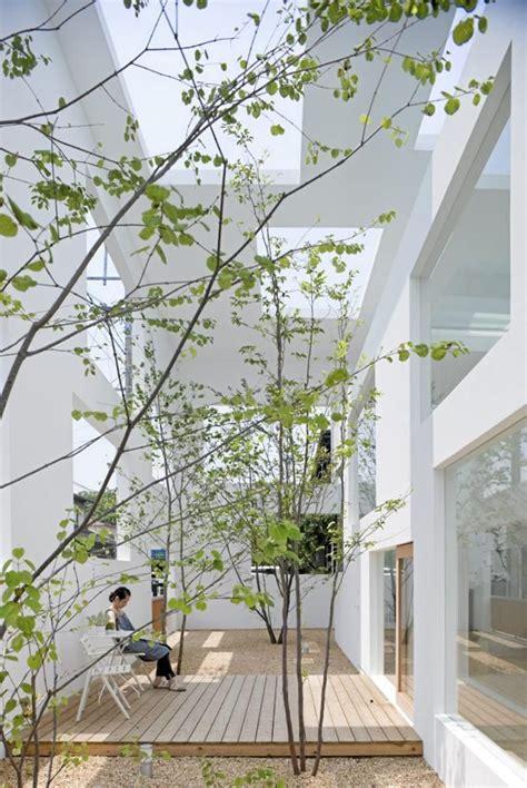 cozy japanese courtyard garden ideas homemydesign