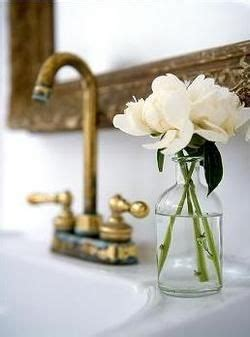 flowers in the bathroom 25 best ideas about bathroom flowers on pinterest cozy bathroom jungle bathroom