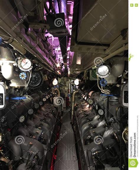 interno sottomarino interno sottomarino passaggio pedonale della marina