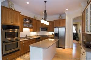 Light Maple Cabinets With Granite Pictures Of Kitchens Traditional Medium Wood Cabinets