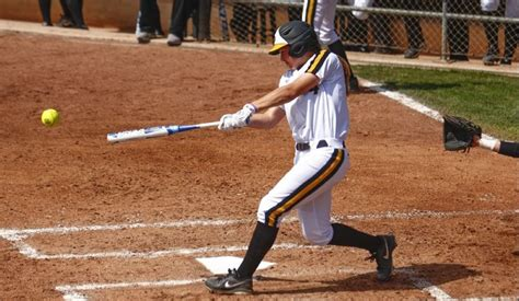 softball batting swing softball hitting tips fundamental tips to be expert in