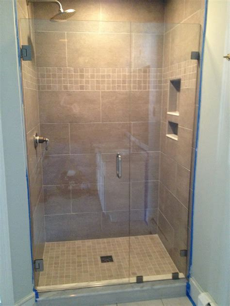 Frameless Bathroom Shower Doors Install Shower Door Frameless Shower Enclosures Are Available In Clear And Tinted Glass