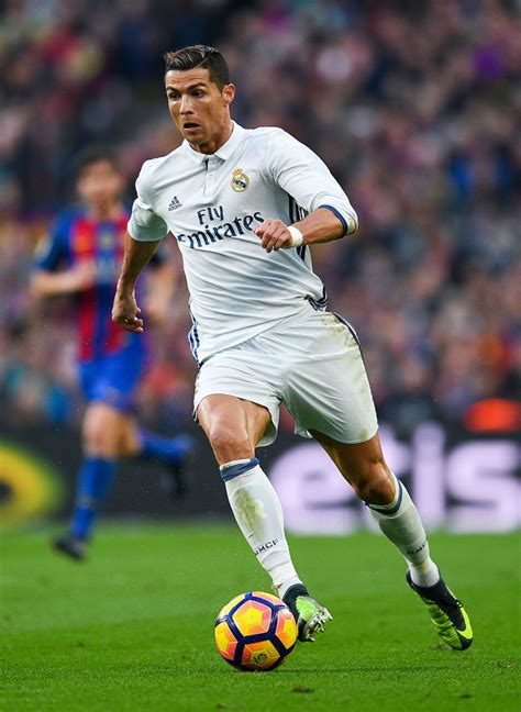 Google Floorplanner cristiano ronaldo introduced to real madrid fans in